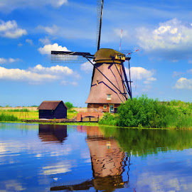 Kinderdijk XI by Stefano Landenna - Buildings & Architecture Public & Historical ( reflection, kinderdijk, canal, netherlands )