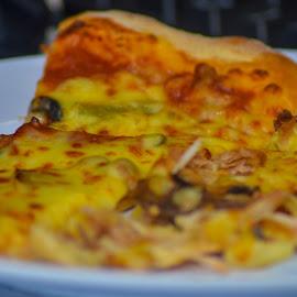 pizza by Siti Hana Iryani - Food & Drink Plated Food