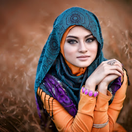 Ikin by Ismail Rahman - People Portraits of Women ( tudung, malay, hijab )