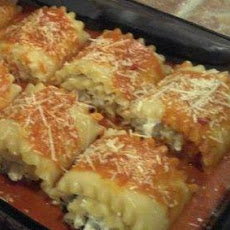 Chicken & Cheese Lasagna Roll-Ups