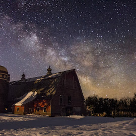Barn VII by Aaron Groen - Buildings & Architecture Other Exteriors ( lake minnewaska, minnesota, barn, stars, single exposure, milky way, galaxy )