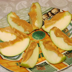 Apples and Peanut Butter (Apple Slices)