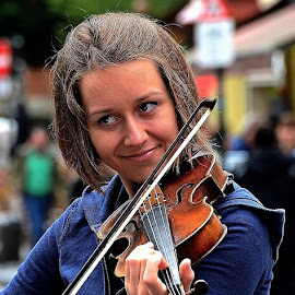 The Gorgeous Violinist by Francis Xavier Camilleri - People Musicians & Entertainers ( charming, girl, violin, smile, portrait, eyes )