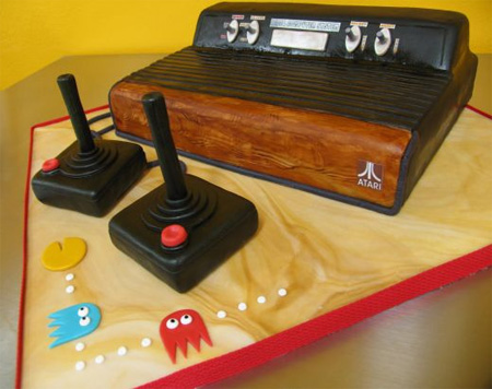 Atari_console_cake_full