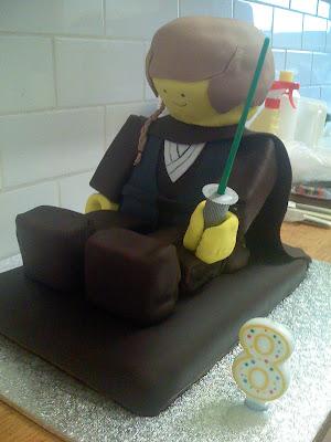 Anakin_Lego_minifig_starwars_geekcake