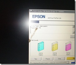 Bersin Di Depan Laptop