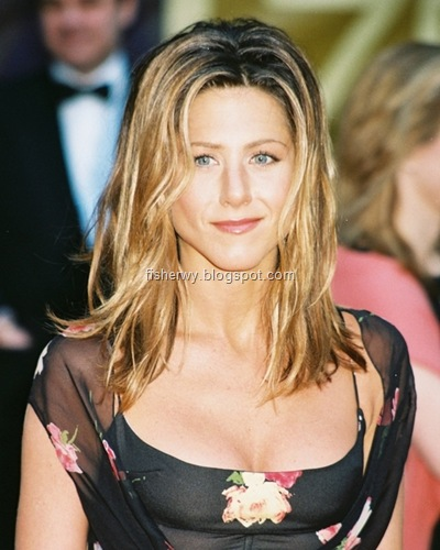 Picture of top ten of Hollywood best breasts Jennifer Aniston