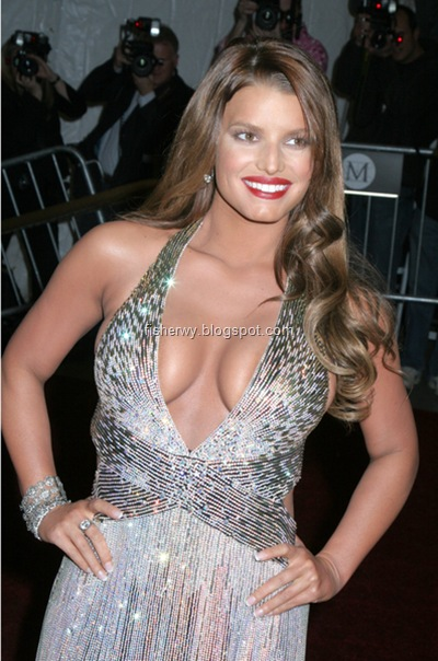 Picture of top ten of Hollywood best breasts Jessica Simpson
