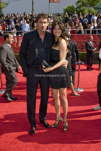 Picture of Adriana Lima and boyfriend Marko Jaric attending 2008 ESPYs awards