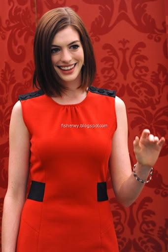 hathaway get smart. Anne Hathaway Get Smart in Red