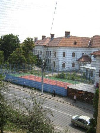 vedere de la geamul bucatariei