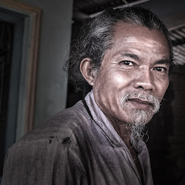 Portrait of the farmer by Sơn Hải - People Portraits of Men ( countryside, old, farmer, vietnam )