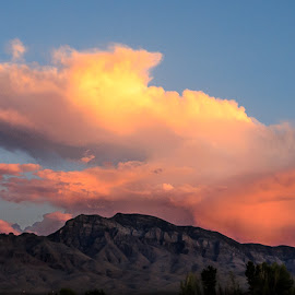Starship by Leslie Nu - Landscapes Cloud Formations ( clouds, az, mountains, desert, sunset, formations, odd )