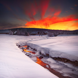 all mine by Michal Mierzejewski - Landscapes Weather ( poreba, szklarska, house, yellow, landscape, sun, mountains, sky, cold, morningm snow, mine, gold, izery, jakuszyce, all, michal, clouds, water, mierzejewski, werol, photo, poland, dawn, rising, sunrise, river,  )