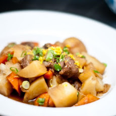 Niku Jaga (Beef with potatoes and carrots)