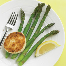 Steamed Asparagus with Warm Goat Cheese