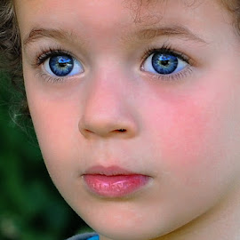 Blue eyes by Rodica Ruka - Babies & Children Child Portraits