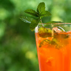 Strawberry Mint Sun Tea