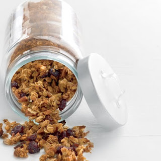 Granola with Pecans and Dried Fruit