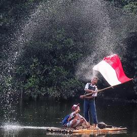 kibas #o1 by Tt Sherman - Babies & Children Children Candids ( flag, children, kids, raft, water splash )