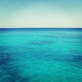 Caribbean Blue by Tara Bauman - Instagram & Mobile iPhone (  )