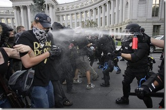 Pepper-Spray_796102i