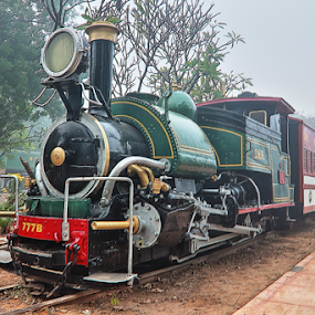 Vintage Train Engine... by Sridhar Balasubramanian - Transportation Trains