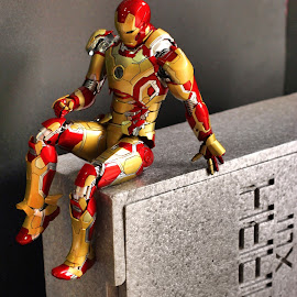 Relaxation seating pose by YanYan Kow - Artistic Objects Toys ( mark42, mark xlii, hottoys, toy, hot toys, mark 42, iron man, toys, ironman, figurine )