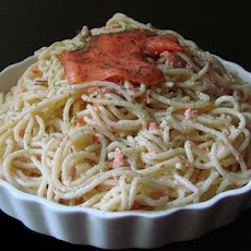 Pasta With Smoked Salmon and Cream
