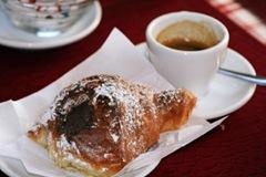 cafeandcroissant