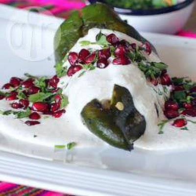 Chiles en nogada (Mexican stuffed chillies in walnut sauce)