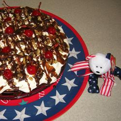 No-Bake Mile-High Banana Split Pie