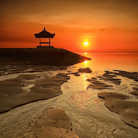 Empty Sunrise by Ina Herliana Koswara - Landscapes Sunsets & Sunrises ( silhouette, sanur, beach, sunrise, morning, sun )