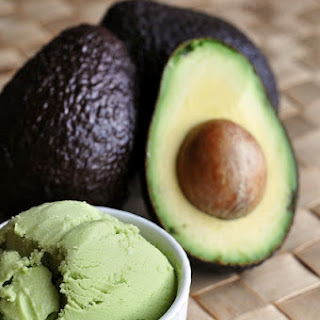 Avocado Frozen Yogurt – a delicious fresh summer treat!