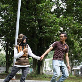 Levitasi by Silvy Yanti - People Couples