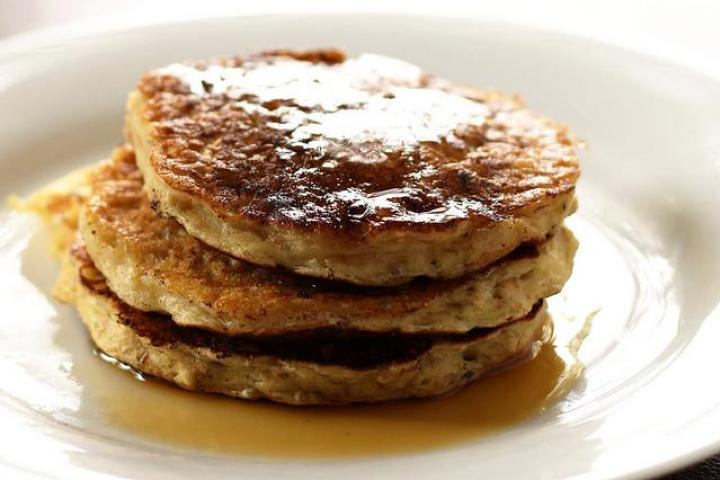 Whole-Wheat Oatmeal Pancakes