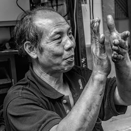 Happy worker by Vibeke Friis - People Street & Candids ( man clapping,  )