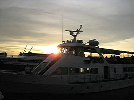 boat used for the Manila Bay sunset cruise