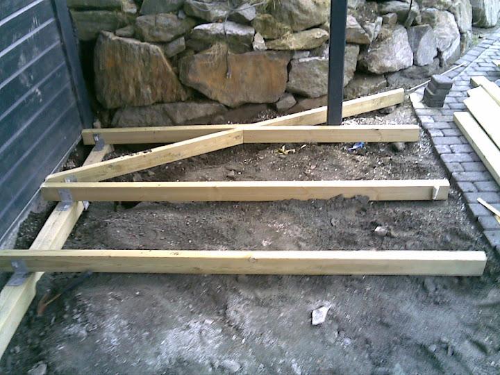 Kammeret.no • se emne   bygge terrasse pÃ¥ bakken   ferdig