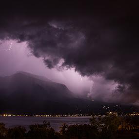 Thunders by Luka Milevoj - Landscapes Weather ( lago di garda, thunderstorm, lake garda, italy, malcesine )