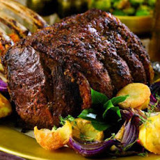 Pepper-crusted Rib Of Beef With Mulled Wine Gravy