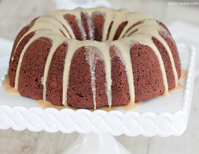Chocolate Peanut Butter Bundt Cake with Sweet Peanut Butter Icing ...