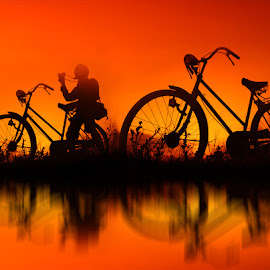 pit pitan karo motret by Indra Prihantoro - Transportation Bicycles ( sunset, bicycle )