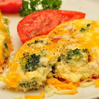Broccoli Cheddar Scramble