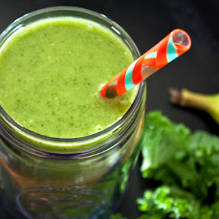 Peachy Green Protein Smoothie