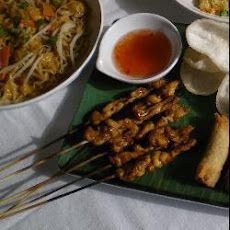 Indonesian Turkey Sate Kebab with Peanut Sauce