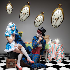 Alice in wonderland by Hoai Nguyen - People Musicians & Entertainers ( alice in wonderland )