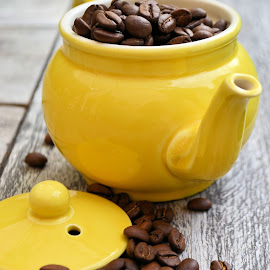 Smell the coffee by Heather Aplin - Food & Drink Alcohol & Drinks ( smell, beverage, fresh, beans, drink, coffee, brown, table, yellow, morning, early, pot,  )