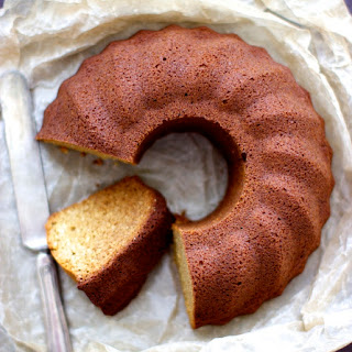 Quinoa and Almond Flour Cake