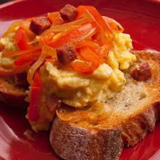 Spanishy Scrambled Eggs with Bell Peppers and Garlic Toast Recipe